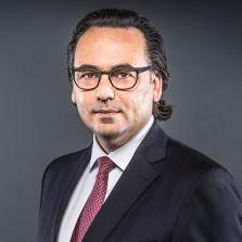 Dr. Robert Niemann, internationales Sport-Management und Vermarktung